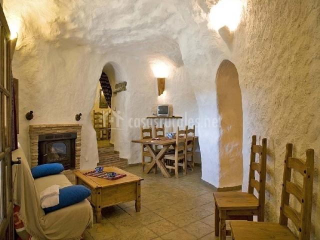 Cuevas la atalaya 4 personas en huescar granada - Casa rural con chimenea en la habitacion ...