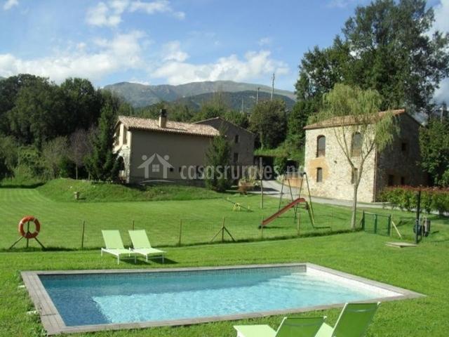 Mandarina en sant joan de les abadesses girona for Casa rural girona piscina