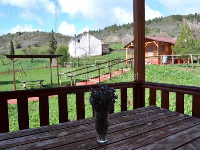 Terraza de las casas con vistas al jardín comunitario