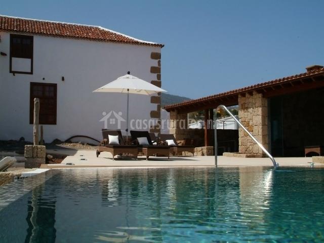 Casa principal en fasnia tenerife for Casa rural con piscina en tenerife