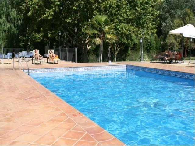 Hotel rural huerta de las palomas en priego de cordoba for Hotel rio piscina priego de cordoba