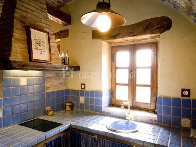 Cocina azul de la casa rural
