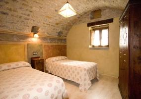 Dormitorio doble de la casa rural