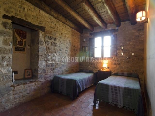 Dormitorio doble de piedra  Casa de Vino