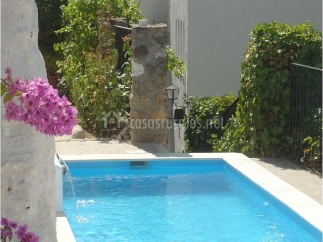 Hotel rural zuhayra en zuheros c rdoba for Hotel con piscina en cordoba
