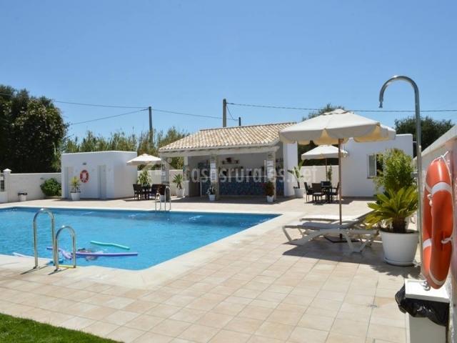 Villa el capi en zahora c diz for Casas en zahora con piscina