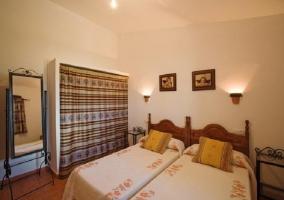 Dormitorio doble camas separadas