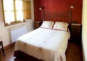 Dormitorio doble y radiador