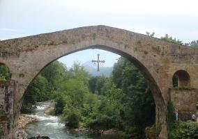 Puente y río Sella