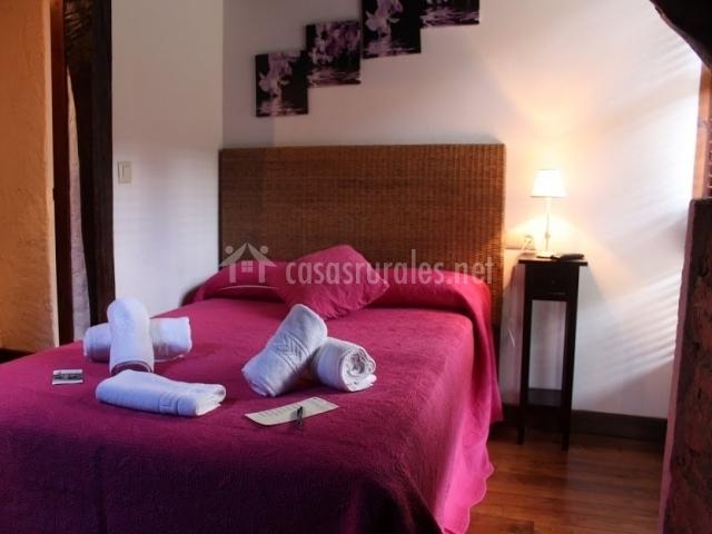 Casa el molino grande en alles asturias - Ropa de cama matrimonio ...