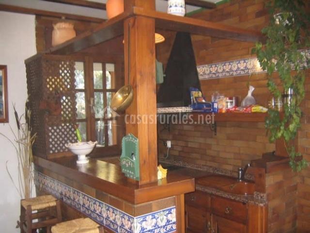 Casas rurales fauna i en villanueva del condado le n for Barras de cocina rusticas