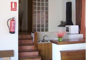 Escaleras junto a la cocina