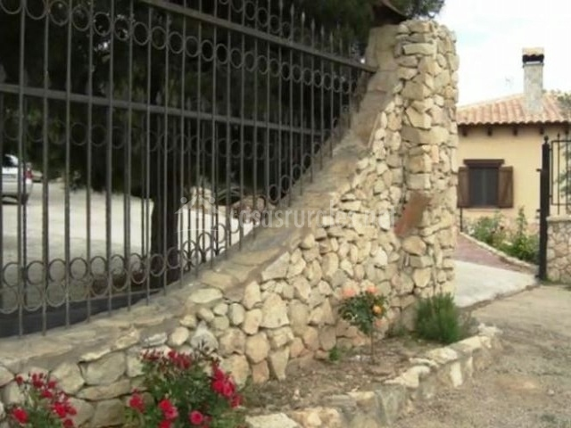 Hotel enoturismo mainetes en fuentealamo albacete - Piedra para muro exterior ...