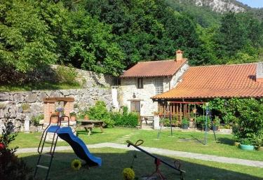 Casa Rural La Tablá - Alles, Asturias