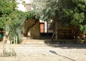 Puerta de acceso al complejo