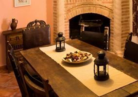 Mesa del comedor con detalles