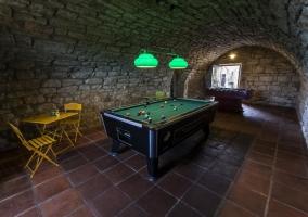 Cueva con sala de juegos en la casa Cal Tristany
