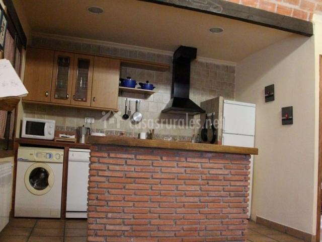 Casa gueda en agueda del caudillo salamanca for Azulejo para barra de cocina