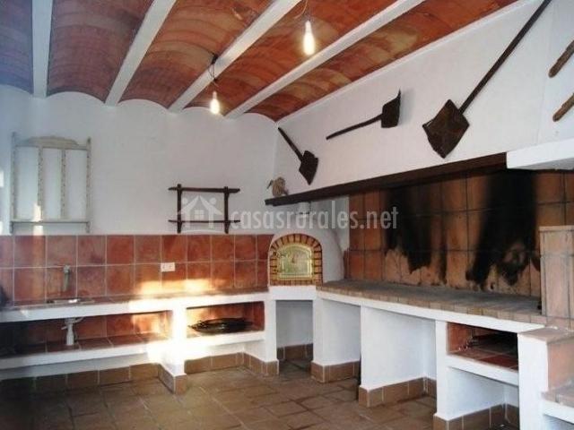 Casa pegota en pozo alcon ja n for Piscina cubierta alcantarilla