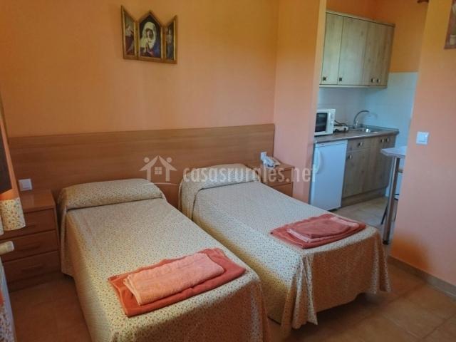 Dormitorio junto a la cocina