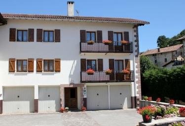 Casa Zabaltenea I - Donamaria, Navarra
