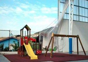 Parque infantil cercano a la casa