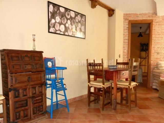 Casa rebollares i en piedralaves vila for Piedralaves piscina natural