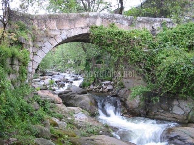 Puente Romano Matrimonio : Casa rebollares ii en piedralaves Ávila
