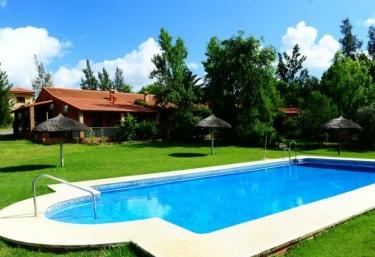 9 Casas Rurales Con Piscina En Zalamea La Real Casasrurales Net