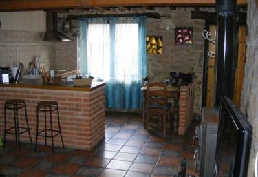Colirrojo - Los Sitios de Aravalle - Casas Del Abad, Ávila