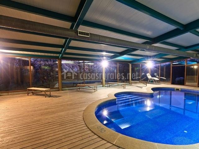 Casa cazoleiro en meira casco urbano lugo for Casa rural piscina climatizada interior