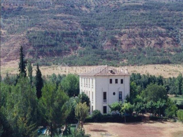 Vistas de la casa desde el entorno