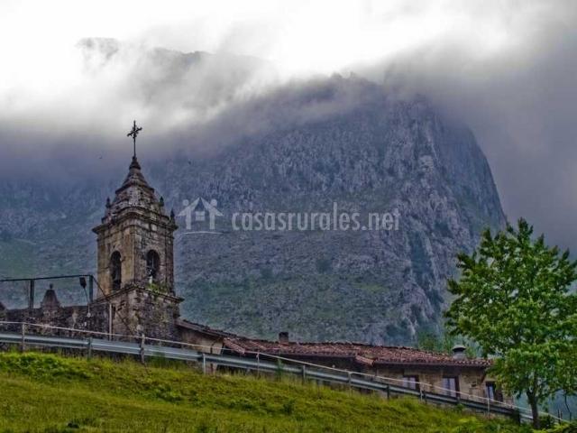 Iglesia de San Miguel en Atxondo