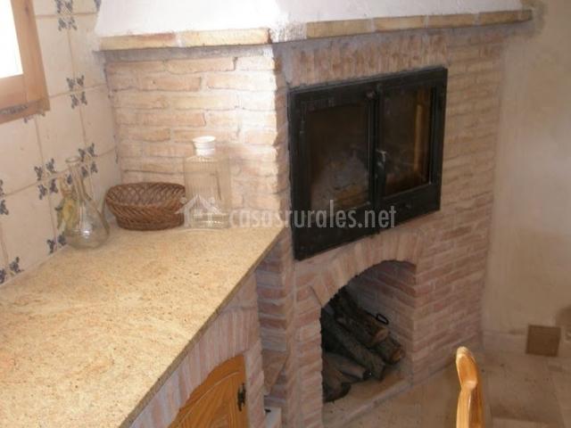 Caseta dels cirerers en masdenverge tarragona - Cocina con horno de lena ...
