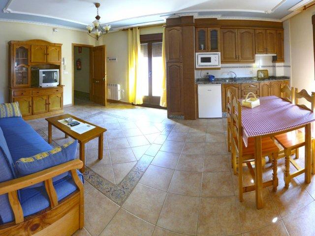 Panorámica salón y cocina