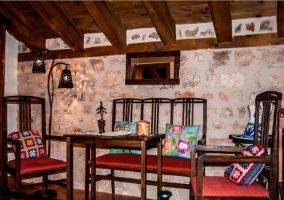 Dormitorio de matrimonio con balcon y sala de descanso