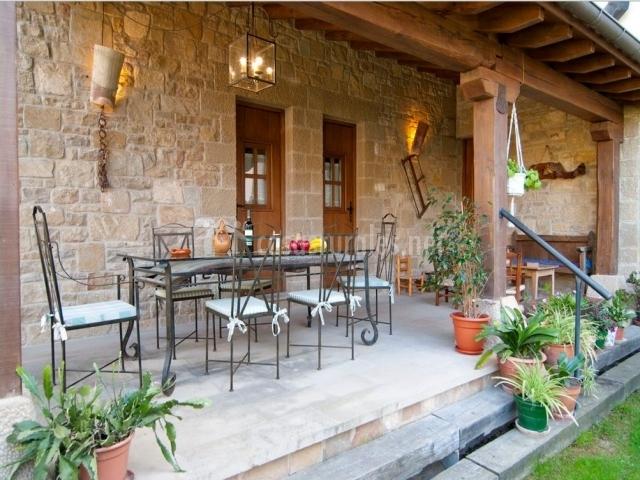 Casa rural el pajar en orisoain navarra - Casas con porche ...