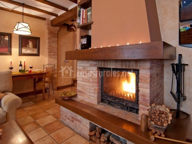 Casa rural el pajar en orisoain navarra - Calefaccion con chimenea de lena ...