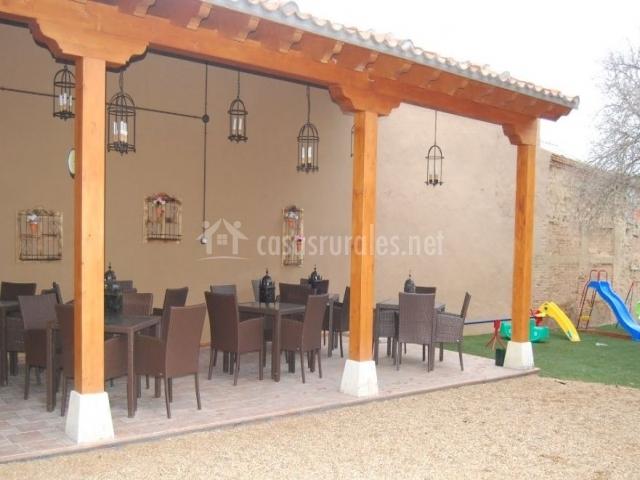 La casona de pozaldez en pozaldez valladolid for Columpio terraza