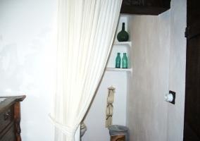 Baño tras cortina