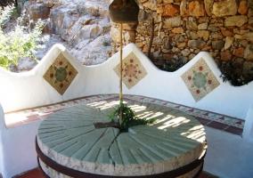 Mesa redonda de piedra