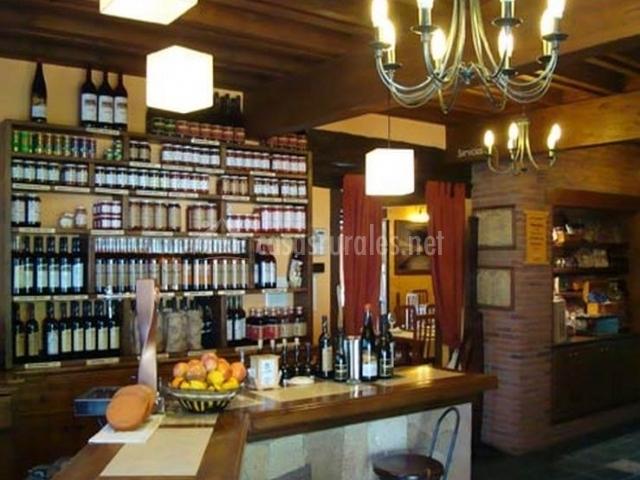 Restaurante con barra de bar