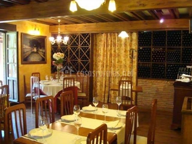 Restaurante con decoración