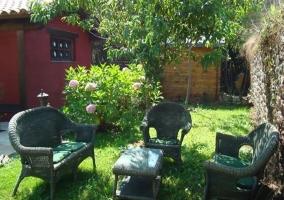 Vistas del jardín con mobiliario