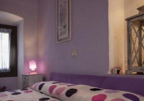 Dormitorio Flor de Ametller con ventana