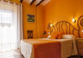 Dormitorio Ginesta con balcón