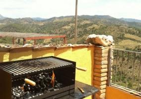 Vistas de la terraza con barbacoa y vistas