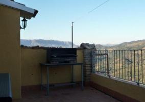 Vistas de la terraza con barbacoa