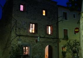 Vistas nocturnas de la fachada