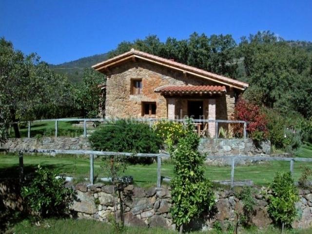 Higueral de la sayuela cuello de dama casas rurales en - Casas rurales en avila baratas ...